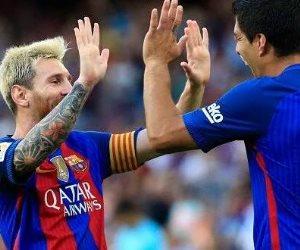 ميسي وسواريز يحملان زي خاص في مباراة الأرجنتين و أوروجواي