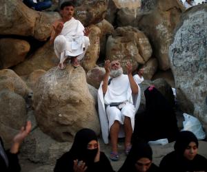 «حجاج غزة» يشيديون بالتسهيلات المصرية المقدمة لهم (فيديو)