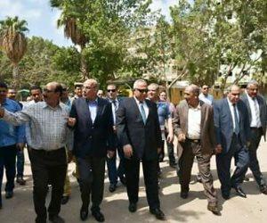 وزير الزراعة ومحافظ الشرقية في جولة تفقدية لحديقة الحيوان بالزقازيق