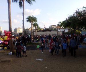 الآلاف يحتفلون بعيد الأضحى في دمياط.. والأهالي يخرجون للحدائق والمتنزهات (صور)