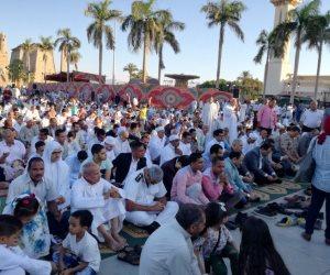 محافظ الأقصر ومدير الأمن يشهدان صلاة عيد الأضحى بميدان أبوالحجاج (فيديو وصور)
