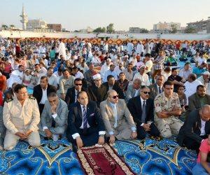 محافظ سوهاج والقيادات الأمنية يؤدون صلاة عيد الأضحى بالاستاد الرياضي