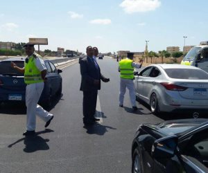 تكبيل 4300 سيارة مخالفة خلال حملة لمرور القاهرة