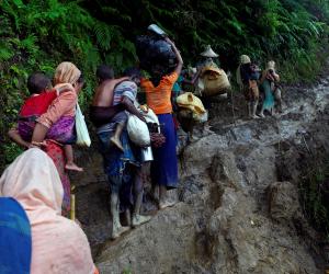 بنجلاديش تؤكد توقف تدفق لاجئي الروهينجا من بورما بعد نحو شهر من اندلاع العنف