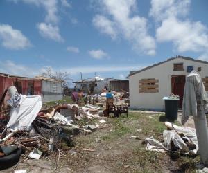 """""""الإندبندنت"""": سكان فلوريدا يدعون ترامب لفتح منتجعه السياحى كمأوى لضحايا """"إرما"""""""