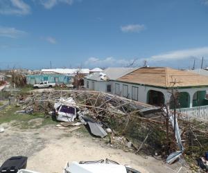 الإعصار ماكس يضرب ساحل المكسيك على المحيط الهادى