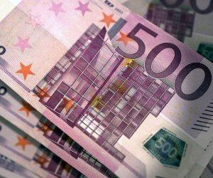 اليورو يعود صوب مستوى 1.24 دولار مع انخفاض العملة الأمريكية