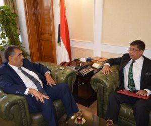 وزير قطاع الأعمال يستقبل سفير الهند لمناقشة التعاون في مجال الغزل والنسيج