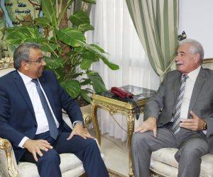 محافظ جنوب سيناء يبحث مع رئيس هيئة البريد افتتاح مشروعات جديدة