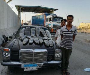 شرطة تأمين قناة السويس تضبط سيارة قادمة من شمال سيناء بداخلها 40 كيلو بانجو (صور)