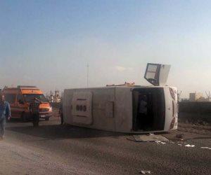بينهم ٩ سيدات وطفلتين.. إصابة ١٤ في حادث انقلاب سيارة بقنا