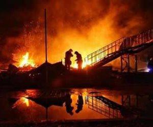 المعمل الجنائي يعاين موقع حريق مصنع منسوجات العاشر لحصر التلفيات