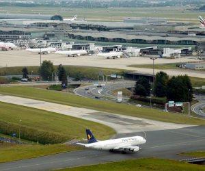 إجلاء ركاب طائرة بريطانية بمطار باريس الدولى لأسباب أمنية