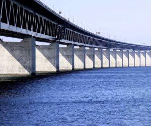 الإمارات تدشن جسر مساعدات إلى بنجلادش لصالح لاجئي الروهينجا