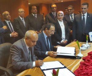 توقيع عقد إنشاء جراج محطة الصب السائل بميناء الإسكندرية بحضور وزير النقل (صور)