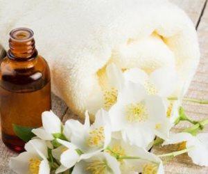 زيت الياسمين...رائحة جذابة وفوائد متعددة لجمال ونضارة البشرة