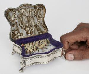 قصة منتصف الليل: تنازلت عن مجوهراتها لتسدد ديون زوجها فكانت الصدمة