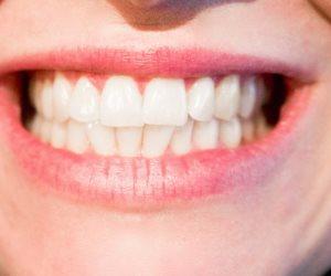 للحصول على أسنان قوية وصحية مفتاح السر في هذه الأطعمة ( انفوجراف )