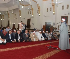 محافظ بورسعيد يشهد الاحتفال بحلول العام الهجري الجديد في المسجد العباسي