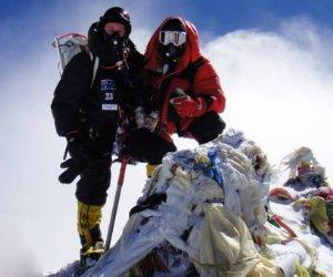 نيبال سترسل بعثة لقياس ارتفاع قمة إيفرست لحسم الجدل بشأنه