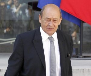 وزير خارجية فرنسا ونظيره التركي يبحثان بباريس الملف السوري غدا