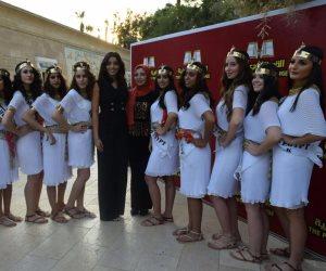 ملكات جمال السياحة والبيئة بالقرية الفرعونية في احتفالية اليوم العالمي للسياحة