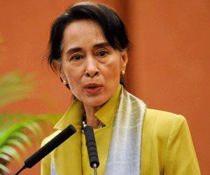 إزالة صورة القيادية البورمية أونغ سان سو تشي جامعة أكسفورد