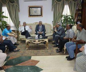 محافظ جنوب سيناء يناقش الاستعدادات لمؤتمر الشباب الدولي بشرم الشيخ