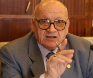 عبد المنعم العليمي يقترح تعديل مشروع قانون سفر السكة الحديد