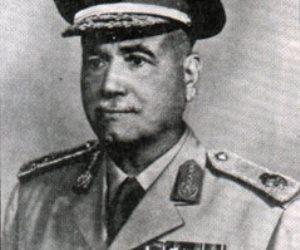 """المشير أحمد إسماعيل """"علّم"""" على موشيه ديان"""