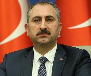 وشاهد شاهد على إرهابهم.. وزير العدل التركى: 594 طفلا يقبعون في السجون مع أمهاتهم