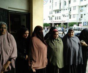 عاملات النظافة في دمياط يطالبون بصرف روابتهم المتأخرة منذ 4 أشهر