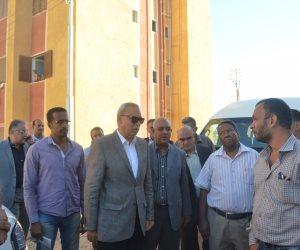 اللواء عبد الحميد الهجان يتفقد عمارات الإسكان الاجتماعي بمدينتي نقادة وقوص (صور)