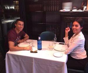 رونالدو يتناول العشاء مع صديقته جوروجينا