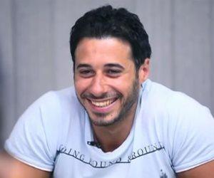 أحمد السعدني يشارك سيمون الغناء (فيديو)