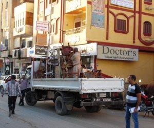 مساعد رئيس حي النزهة يتقاضى رشاوى من أصحاب المحلات للتغاضي عن المخالفات