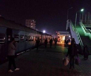 عودة حركة القطارات بسوهاج إلى طبيعتها بعد توقفها لمدة ساعة و20 دقيقة