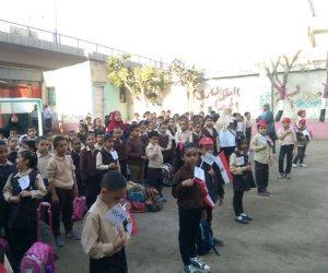 مدارس القاهرة تقف دقيقة حداد في طابور الصباح على أرواح شهداء حادث الواحات الإرهابي