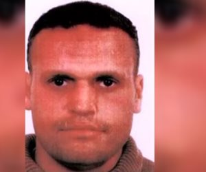 """من عامين.. """"صناعة الموت"""" يحذر من هشام عشماوي"""