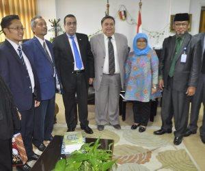 جامعة قناة السويس تستقبل وفد إندونيسى