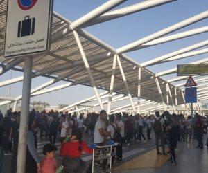 """بالتزامن مع توافد المشاركين بمنتدى """"شباب العالم"""".. ازدياد كثافة التشغيل بمطار القاهرة"""