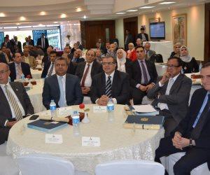 شاهد بالصور..معلومات الوزراء يكرم وزير القوى العاملة ووزير الدفاع