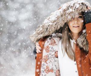 تجنب هذه العادات الخاطئة عند شعورك بالبرد.. قطرات الأنف وبلاش الوشاح عند الخروج