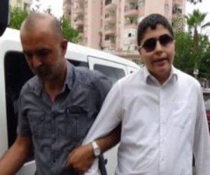 """سلملي على حقوق الإنسان.. معتقل تركي كفيف: """"إحنا 24 واحد في زنزانة 10 أفراد"""""""