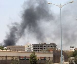 نجاة نائب وزير الداخلية اليمني من قصف خلال عرض عسكري في تعز