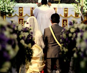 """""""الجهاز على مين؟"""".. بعد فتوى الأزهر الكنيسة ترد: """"لا مانع لتحمل العروسة تكاليف الزواج"""""""