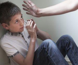سيبك من الضرب.. اعرف ازاى تتعامل مع طفلك لتغيير سلوكياته