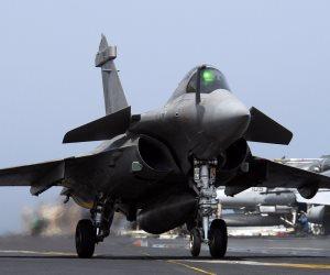 الجيش يعلن تدمير 10 سيارات دفع رباعي محملة بأسلحة على الحدود الغربية