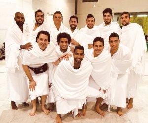 بعد أداء مناسك العمرة .. لاعبو المنتخب يصلون القاهرة (صور)