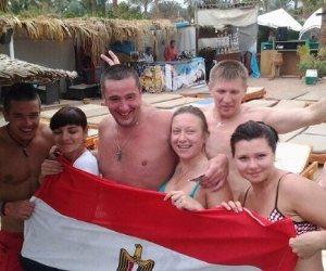 القاهرة تعيد السياح الروس إلى أحضان البحر الأحمر بعد فراق دام 3 سنوات